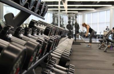 Träningsredskap Träningsutrustning Träningsmaskiner Gymutrustning